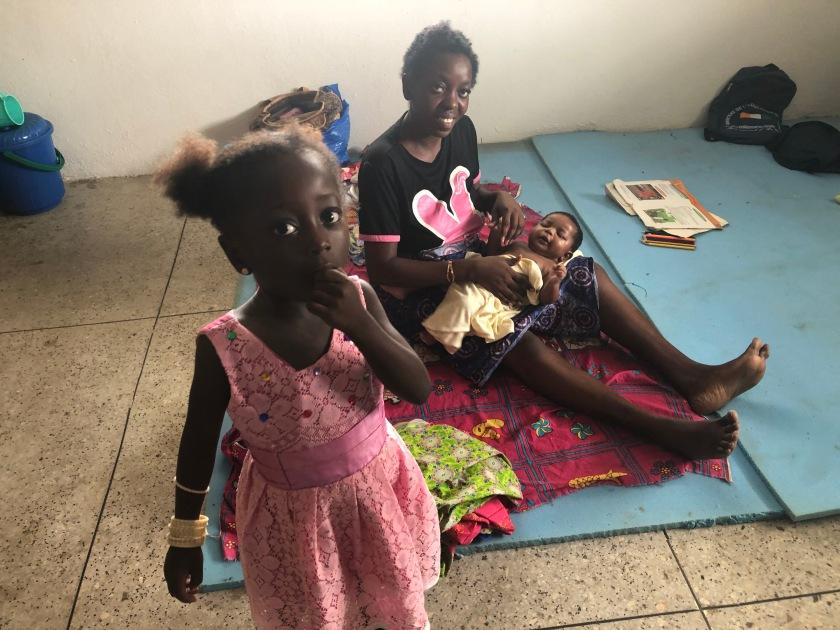 2019-10-26 Grande-Bassam Ward refugees (17)
