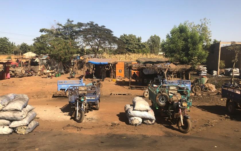 2019-11-25 Bus to Bamako (11)