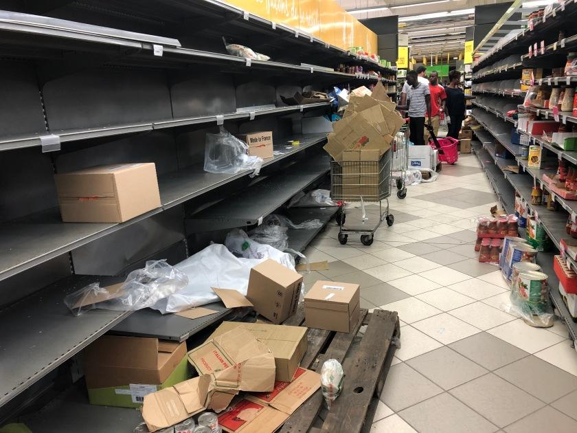 2020-3-17 Panic shopping Cap Sud Abidjan (9)