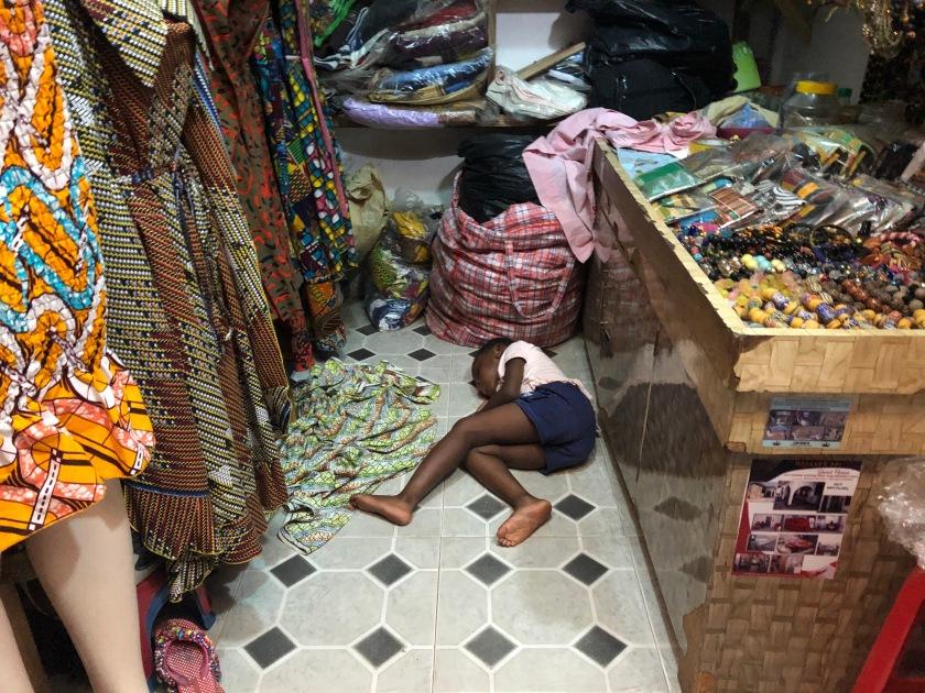 2020-3-9 Accra Artisan Market (37)