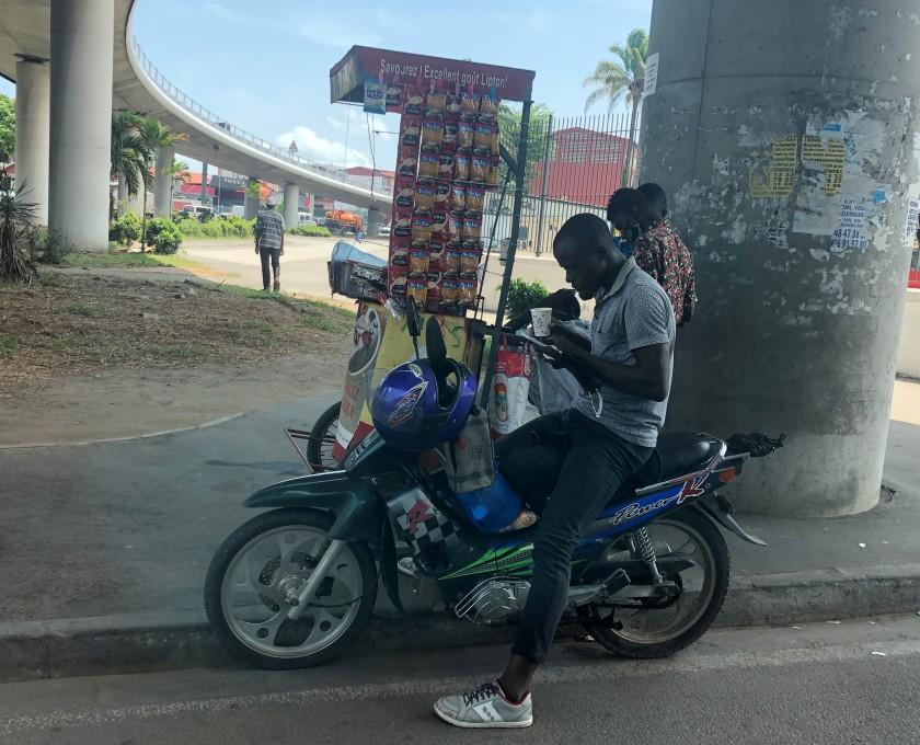 2020-4-21 Abidjan streets (27)