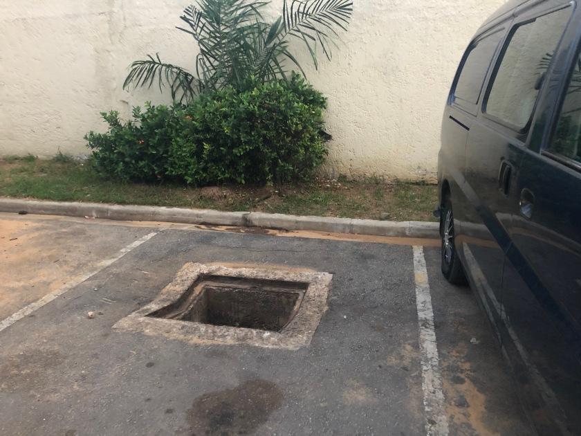 2020-5-18 Vehicle Crashed--the hole (2)